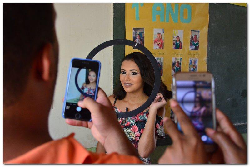 SEMTAC promove curso de maquiagem para adolescentes do SCFV