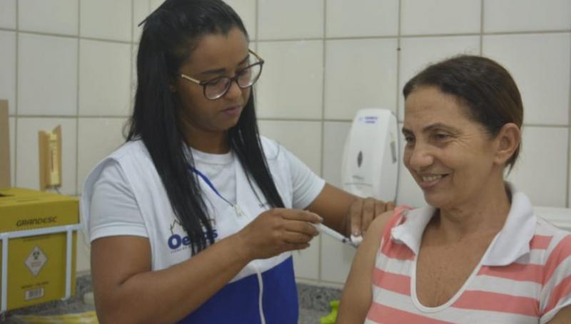 Oeiras atinge meta de vacinação e imuniza 91,24% do público contra a gripe