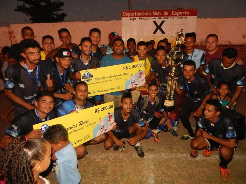 Time Garotos do Morro leva o título de campeão da 2ª Divisão