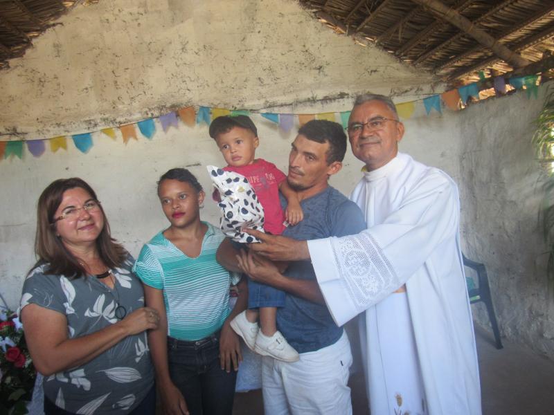 Prefeita Vilma Lima participa da missa dos pais na comunidade Folha Larga