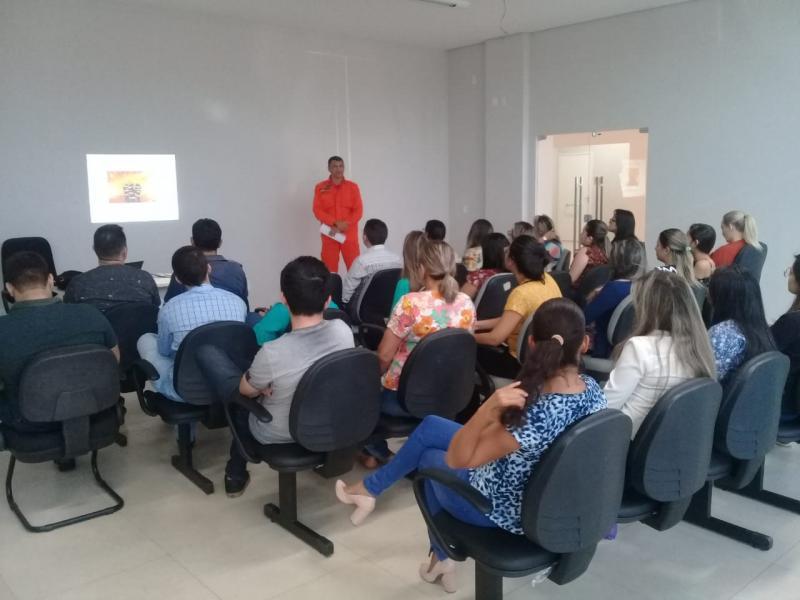 Corpo de Bombeiros de Picos ministram duas palestra sobre Incêndio Floresta
