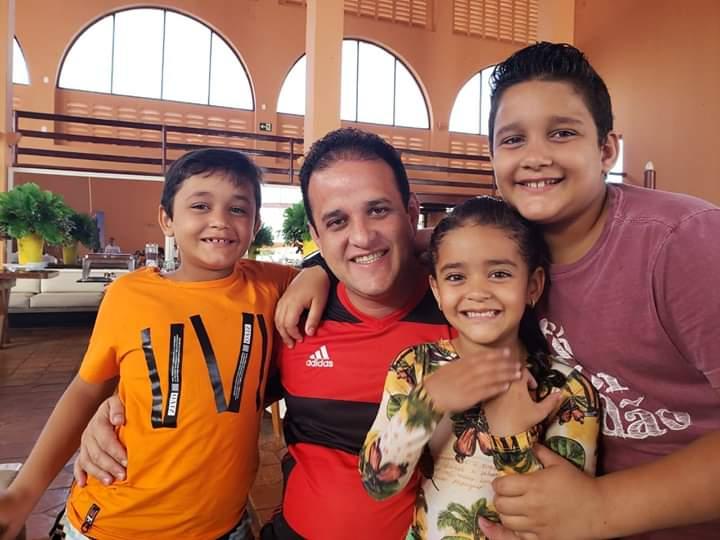 Diego Teixeira e Ana Tércia deixam suas mensagens aos Pais amarantinos