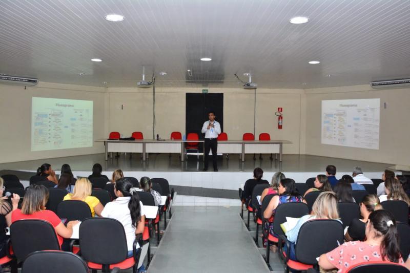 Profissionais da saúde municipal participam de curso de vacinação