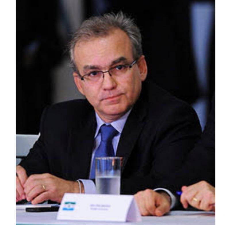 Firmino: Qual grande obra em Saúde em 20 anos pelo governo do Piauí?