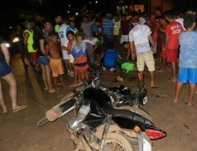 Colisão entre motos deixa duas pessoas gravemente feridas no Piauí