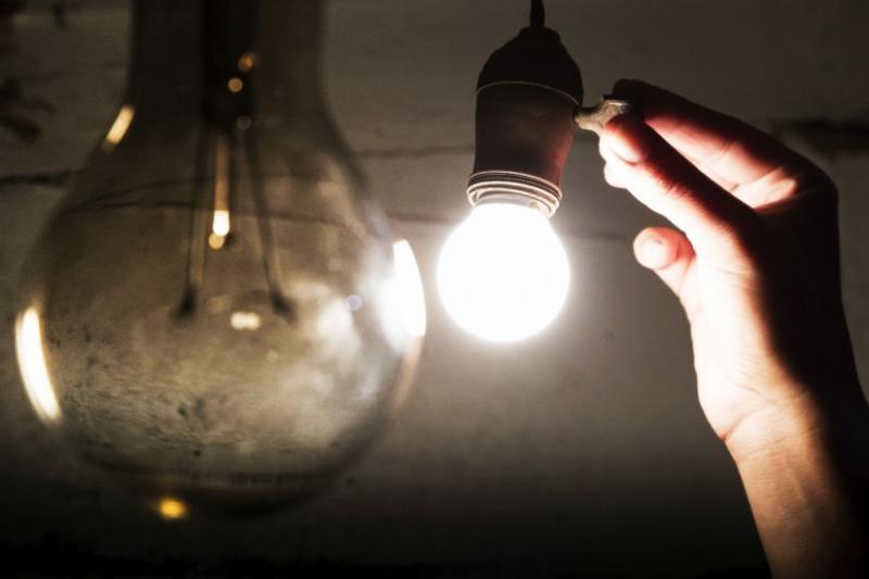Pesquisa: 87% das pessoas acham conta de luz cara no país