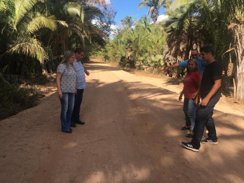 Lagoa do PI: Prefeito visita obra de recuperação de estrada na zona rural