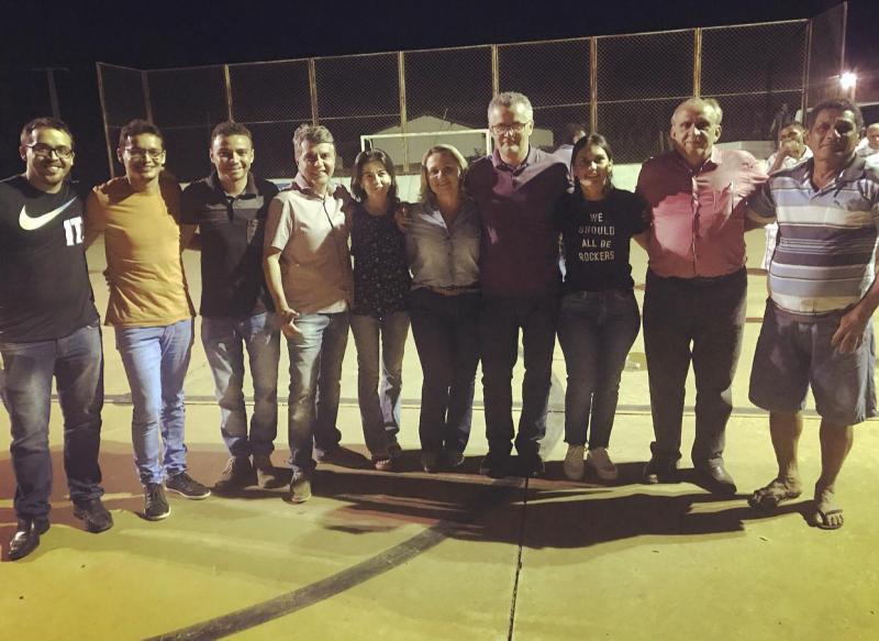 Prefeito de Monsenhor Gil participa de reunião na comunidade Canafístula
