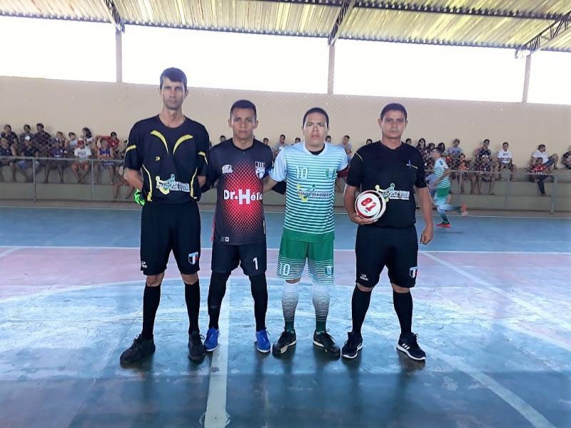 Seleção municipal de futsal vence de virada e se classifica para as quartas