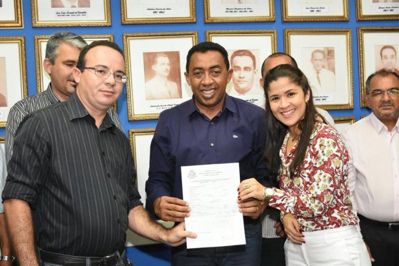 Assinada ordem de serviço que assegura reforma de 24 Unidades Básicas de Saúde em Floriano