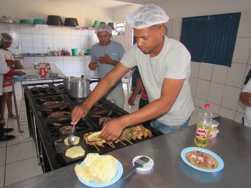 Gastronomia à Base de Espetinhos é tema de curso em Oeiras