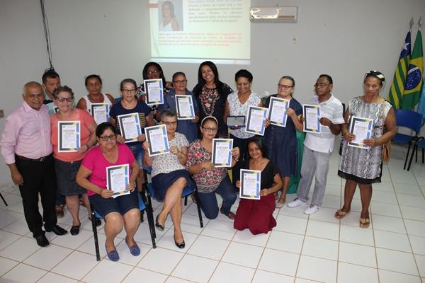 Servidores inativos de Colônia do Gurgueia recebem homenagem