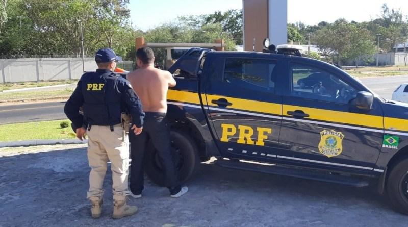 Polícia prende homem por estuprar jovem em motel na BR 343