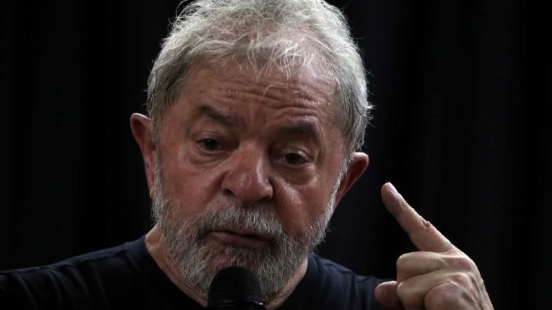 Lula diz que vai provar que Moro e Deltan são bandidos