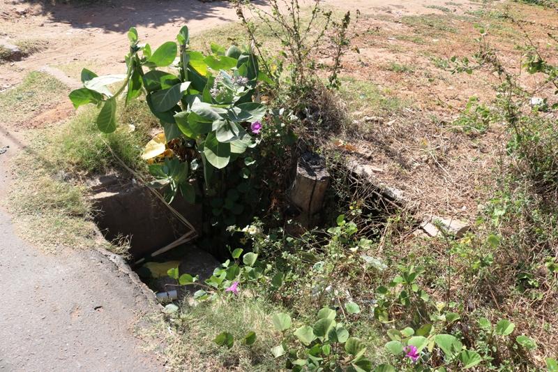 Mulher sofre traumatismo após cair em vala no bairro Cohab