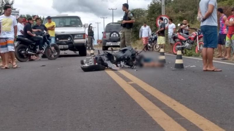 Colisão entre motocicleta e D-20 deixa uma vítima fatal