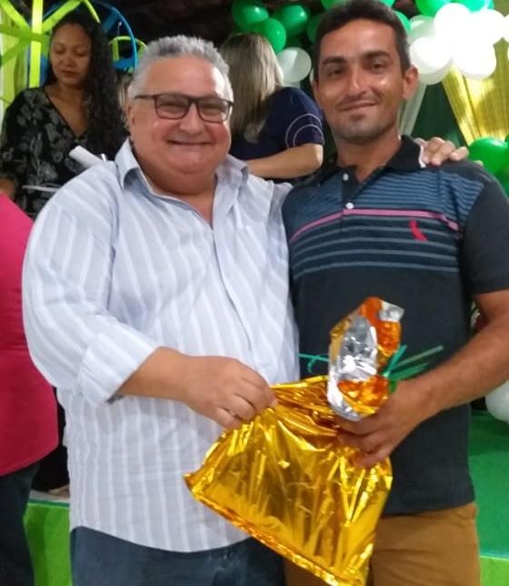 Prefeitura de Lagoinha realiza confraternização em homenagem aos pais