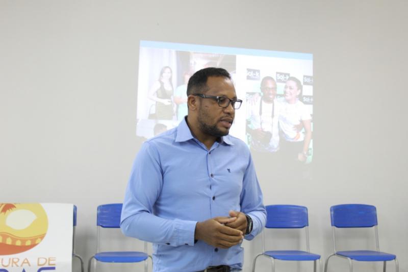 Colaboradores do SAAE Oeiras participam de capacitação em atendimento