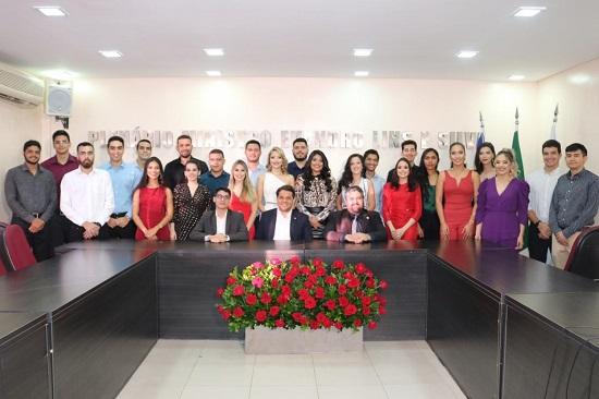 Formandos de Direito do Instituto Camilo Filho visitam a OAB Piauí