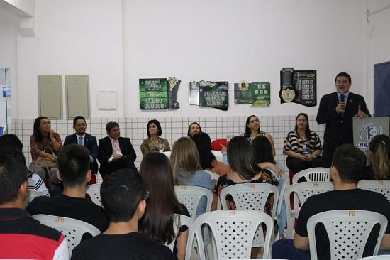 Presidente da OAB Piauí ministra palestra em Piripiri