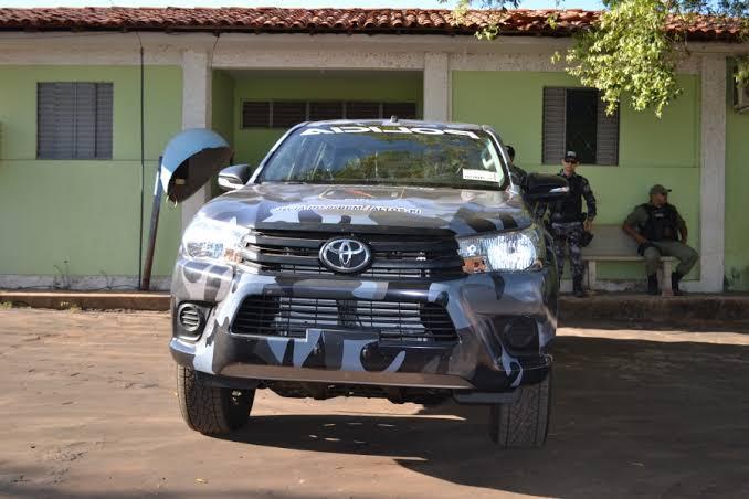 Bandidos armados e encapuzados rendem família no interior do Piauí