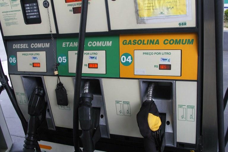 Preço da gasolina e do diesel tem novo reajuste nesta sexta