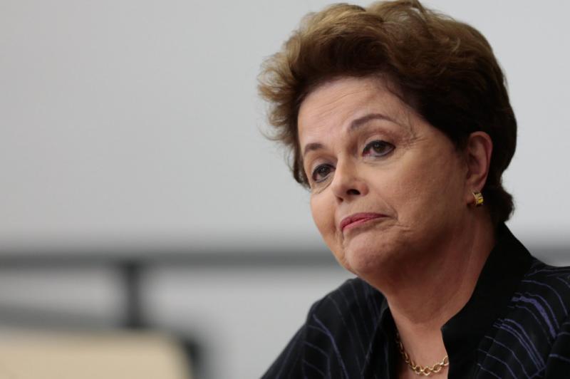 Dilma: 'Um inocente está preso e um neofascista despreparado está no poder'