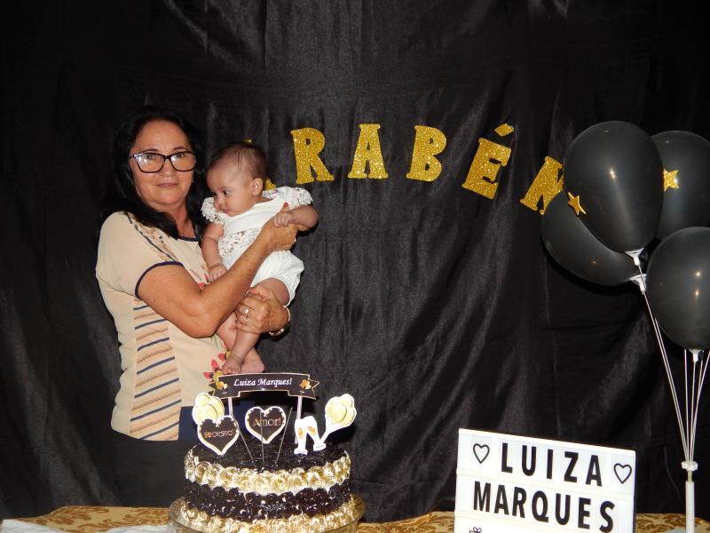 Vereadora é pega de surpresa em seu aniversario