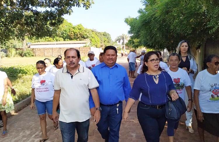 Prefeita participa de caminha da UBS do Bairro Maravilha em Altos