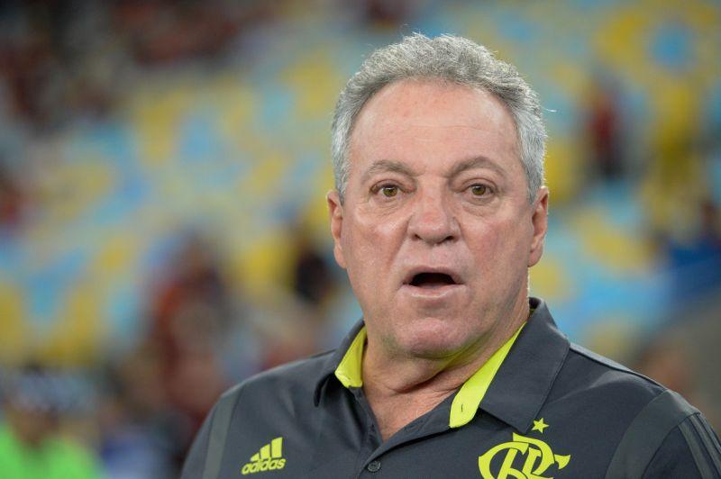 Abel Braga irrita torcedores do Flamengo ao dizer que torcerá para o Inter
