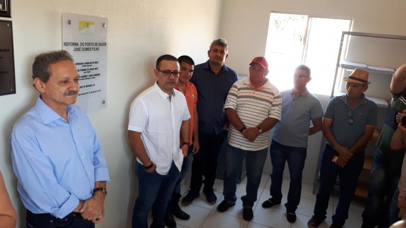 Lagoa de São Francisco: Prefeitura reforma posto de saúde e faz ação social