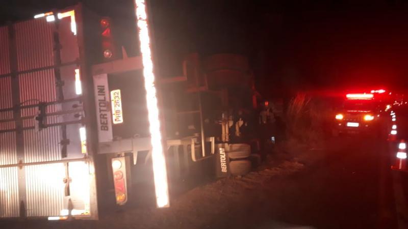 Motorista morre após ficar preso às ferragens de caminhão na BR-316