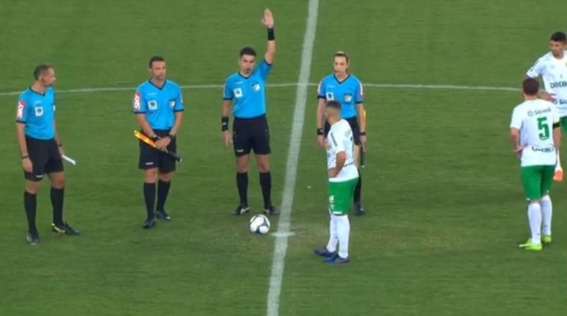 Sem salários, jogadores do Figueirense não entram em campo