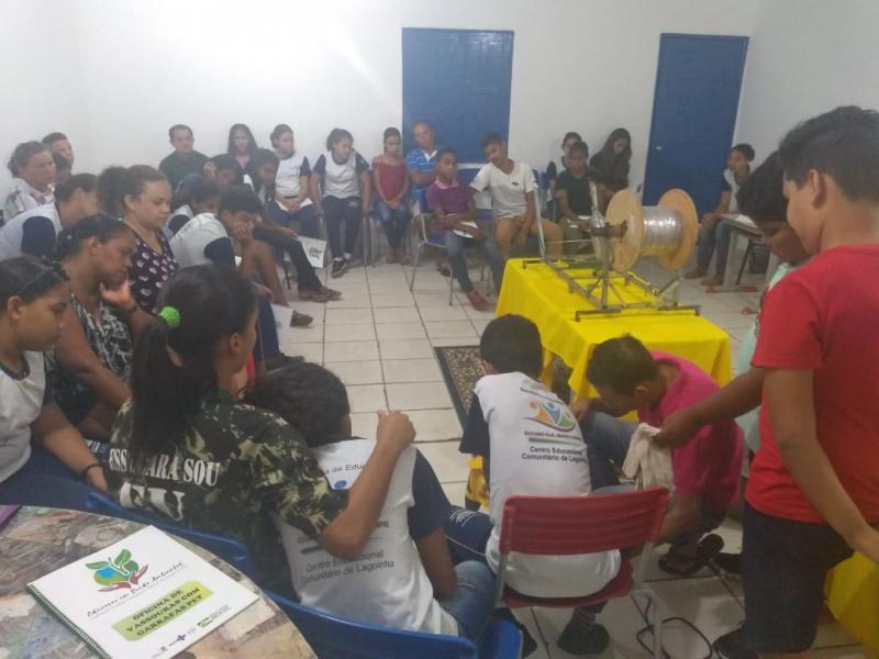Prefeitura de Lagoinha  realiza curso de construção vassouras ecológicas