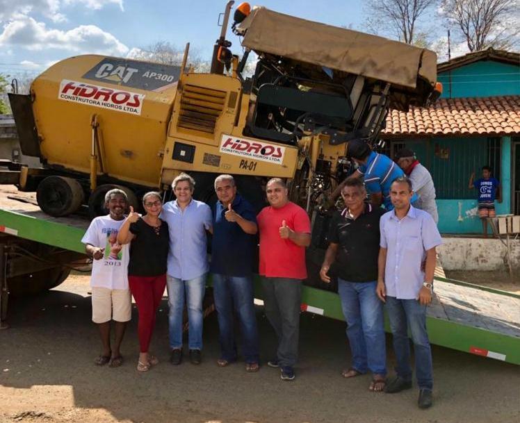 Maquinas chegam a Miguel Leão para obra de pavimentação