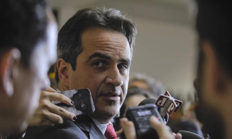 Ministro autoriza investigação contra Ciro Nogueira