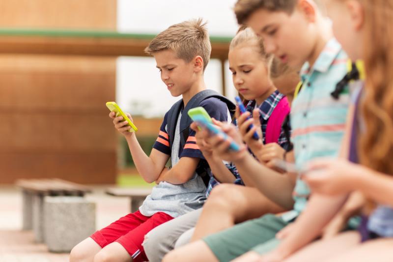 Conheça a geração Alpha, a população 100% digital