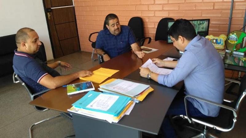 Prefeito faz solicitação de materiais esportivos para Lagoa do Piauí