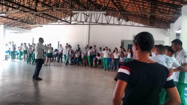 Palestra quebrando o silêncio na escola CEEPRU em Colônia do Gurgueia