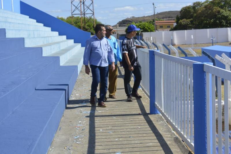 Prefeitura de Oeiras realiza reformas no Estádio Municipal Gérson Campos