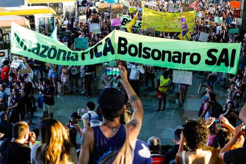 Cidades registram panelaço durante fala de Bolsonaro sobre queimadas