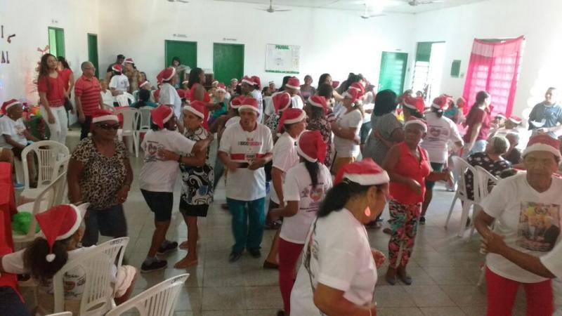Assistência Social de Regeneração realiza festa para idosos do grupo Jóias da Vila