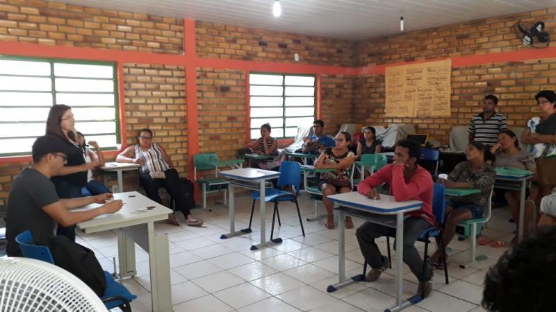 Prefeita Vilma Lima participa de reunião com fornecedores de polpa de fruta