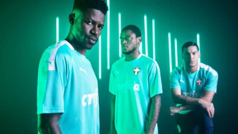 Perto de aniversário, Palmeiras lança camisa com tom 'verde elétrico'