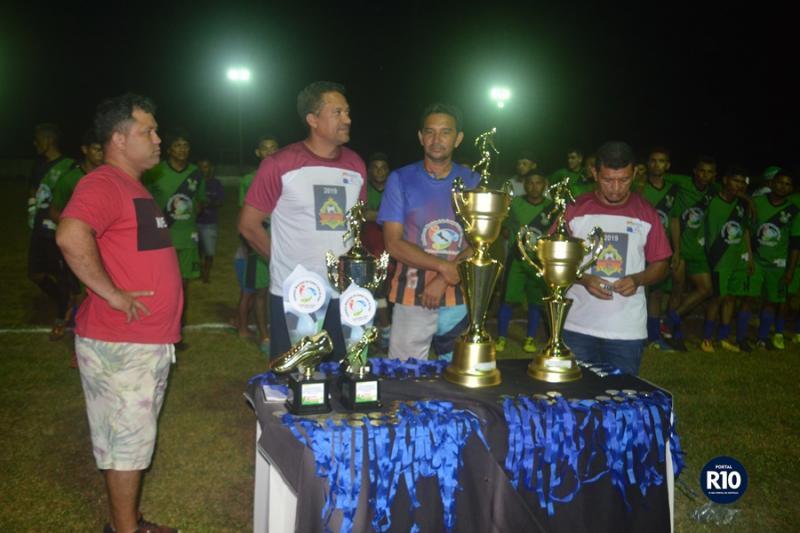 Entrega de medalhas, troféus e premiações aos campeões do Campolargoense