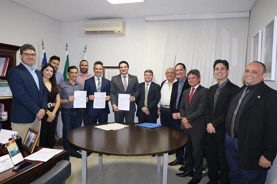 CMA da OAB Piauí e SINEPE assinam Termo de Cooperação mediação de conflitos