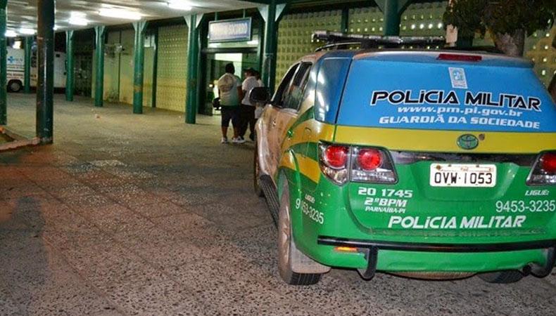 Casal em carro é surpreendido com tiros em estrada no Piauí