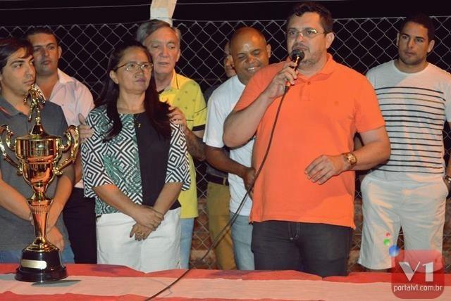 Prefeitura de Pimenteiras entrega quadras poliesportivas nesta sexta e sábado