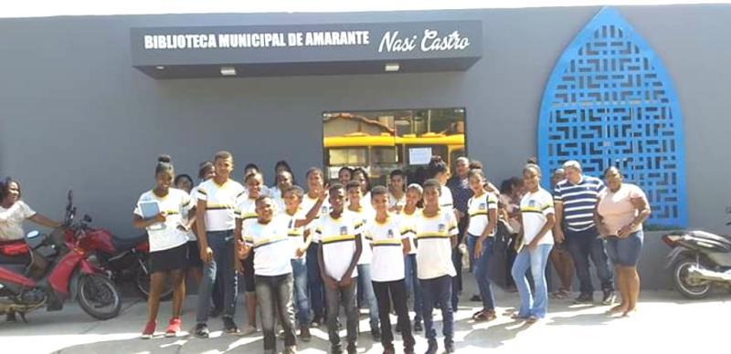 Alunos da Escola Deputado Afrânio Nunes visita Biblioteca de Amarante