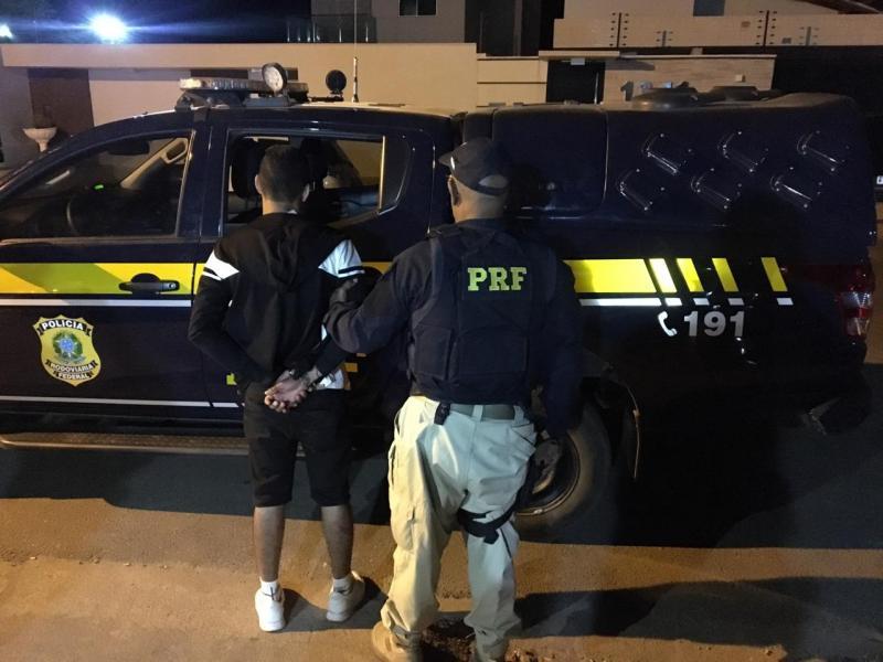 Assaltante é preso em abordagem da PRF na BR-316